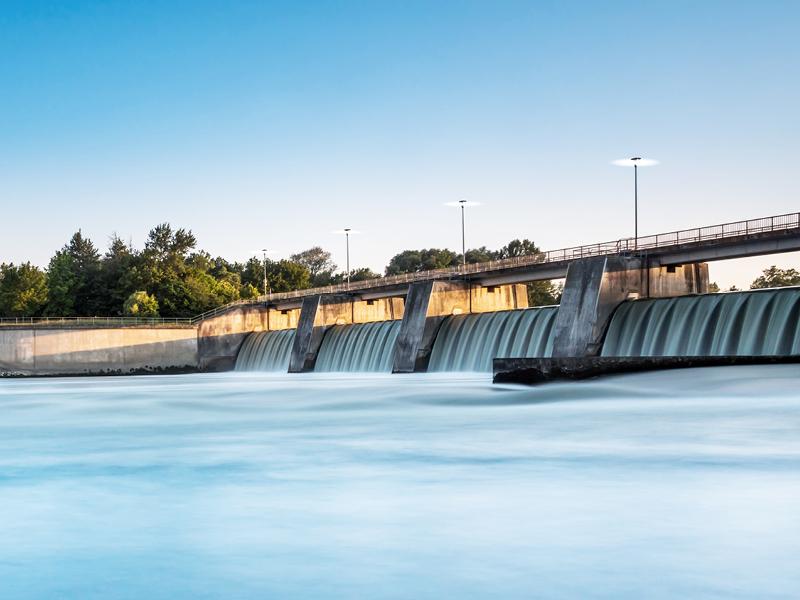 Elektrizität aus Flüssen, Meeren und Seen.