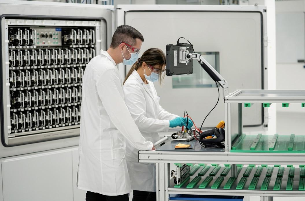 Volkswagen eröffnet hochmodernes Laborzentrum für Batteriezellen